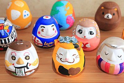 Express yourself with the Tamashima Daruma painting experience