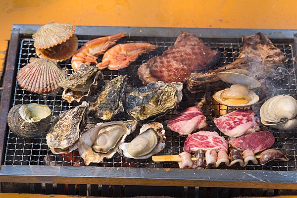 安藝之國巡禮・COOL廣島牡蠣養殖筏巡禮・海鮮BBQ體驗 ※於宮島出發・解散