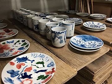 Ehime・Tobe Ware・Pottery Painting Experience