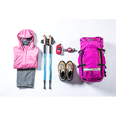Mt. Fuji climbing support, 6 mountaineering item rental set (Rain gear, hiking boots, hiking bags, hiking boots, stock, headlights and short spats)
