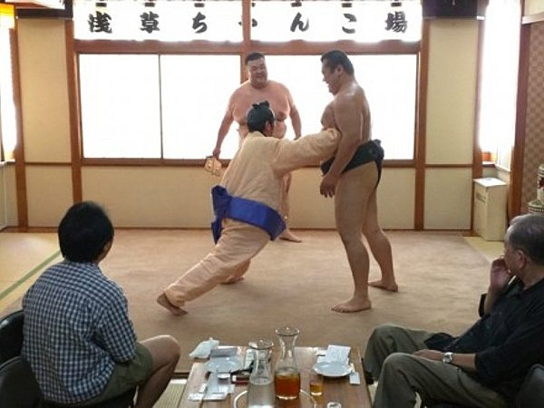 Watch Sumo Demonstration and Have a Chanko-nabe Hot Pot for Lunch