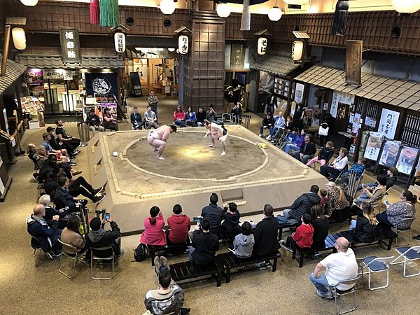 """Sumo Experience and Have a Lunch at """"Ryogoku Edo NOREN"""""""