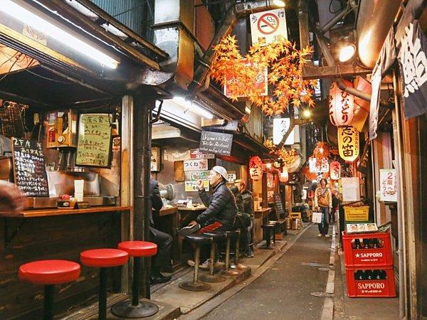 Shinjuku Golden Gai Food Tour