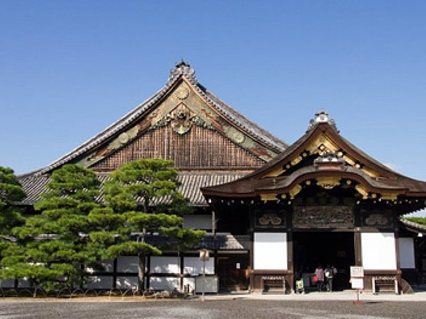 Nijō Castle and Kyoto Gyoen National Garden AM Walk