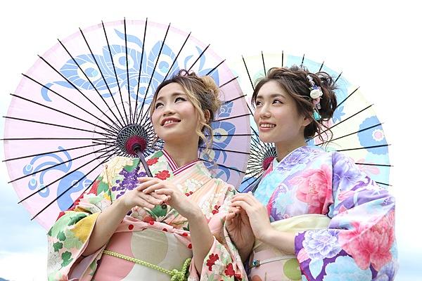 [Kanazawa Kenrokuen Store‗ Ladies Only] Kimono rental in Kanazawa! Selectable Standard Plan/ Hair styling included