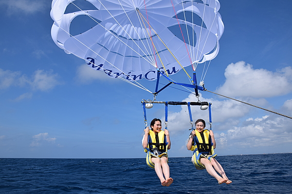 Parasailing from Naha: A beginner course that can be enjoyed by all ages [50m]
