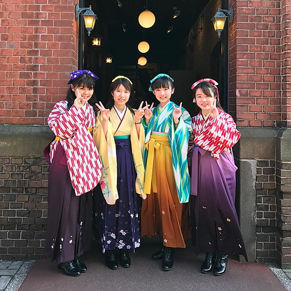 One minute walk from Hakodate Station! Change into a hakama and experience a time trip around the popular station area!