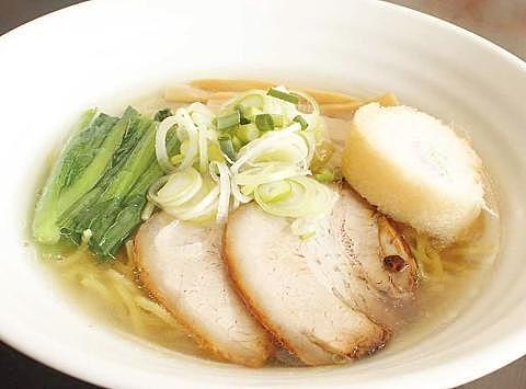 道地鹽味拉麵 在北海道函館的人氣店家製作絕品拉麵