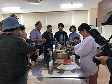 The basics of Japanese food, dashi tasting (miso soup and onigiri making experience)