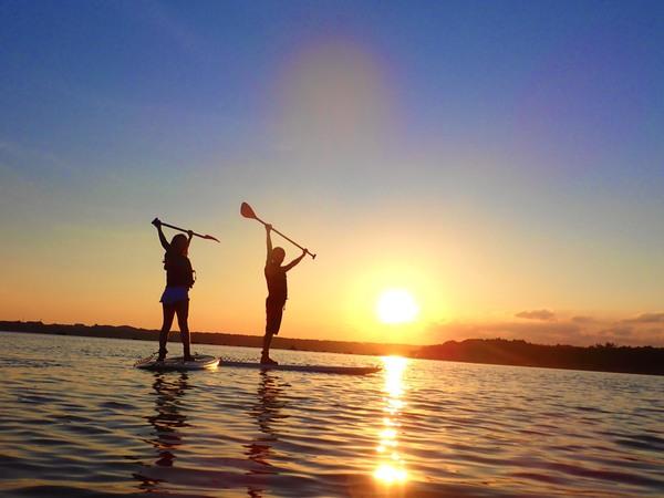 【西表島】被茜色的晚霞包圍…探索秘境叢林&在夕陽下體驗SUP立式槳板or獨木舟
