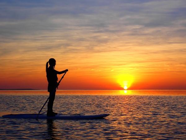 【石垣島】沈醉於夕陽的美好♪忘卻時光流逝「夕陽」SUP立式槳板o加式獨木舟之旅