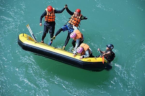 在九州唯一泛舟景點體驗泛舟樂趣  平日PM行程