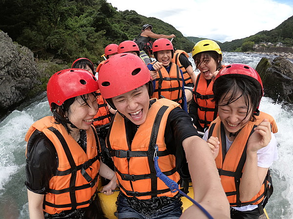 在九州唯一泛舟景點體驗泛舟樂趣  週末及國定假日PM行程
