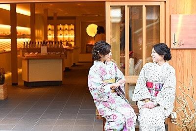 A casual kimono walk in Kyoto: Kiyomizu-dera area, one of the most popular spots in Kyoto!