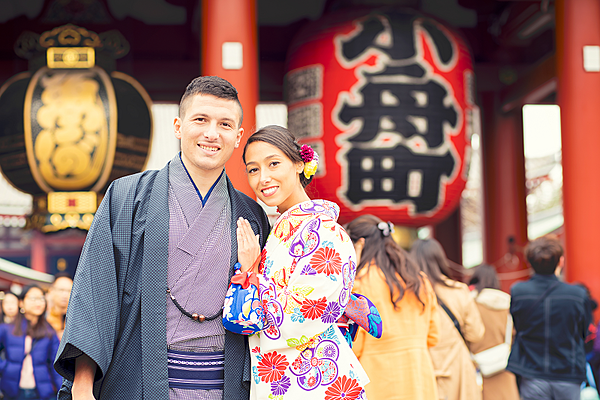 [Kimono rental in Asakusa] Accepting returns until 10 pm! Private kimono dressing available. Recommended for those who want to choose a kimono efficiently.