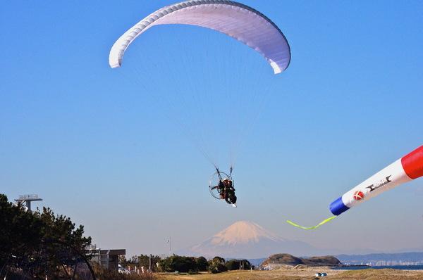 ※現在はご予約を受け付けておりません※【7月限定!キャンペーン価格】モーターパラグライダーで東京湾一望!絶景スポットで空の旅