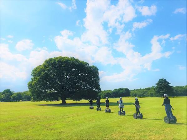 【都心から30分!昭和記念公園で楽しめる】秋の空気を感じよう!セグウェイガイドツアー