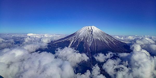 空中近距離欣賞富士山!乘搭直升機遊覽東京〜箱根的都市與自然風景!